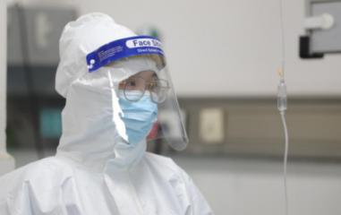 2020抗击新型冠状病毒肺炎疫情最美逆行者作文5篇